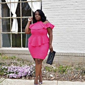 Dresses & Skirts - Cold Shoulder Dress